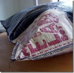 Almofadas de sacolas plásticas