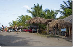 Acesso aos quiosques de Praia Bela