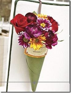Cornucopia cheia de flores