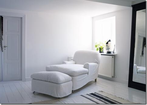 Uma poltrona-chaise perfeita para o descanso do final do dia