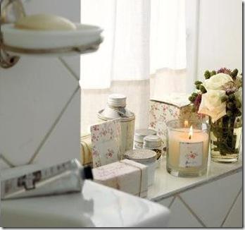 Velas perfumadas relaxando o ambiente