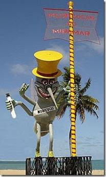 Muriçoca gigante montada na orla de Tambaú