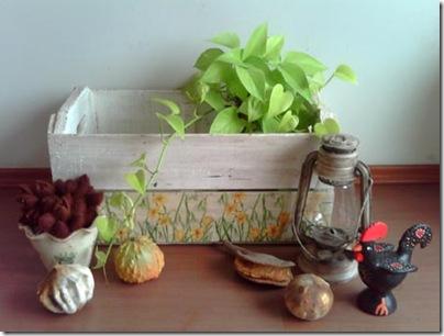 Caixote reciclado com pátina provençal e decoupagem