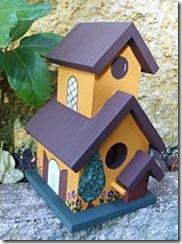 Casinha de passarinho à venda na internet