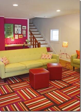 Cores contrastantes em equilíbrio perfeito na decoração da sala