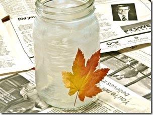 Cubra o vidro com cola de decoupagem