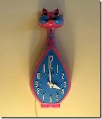 Relógio em forma de gato, para os amantes do toy-art