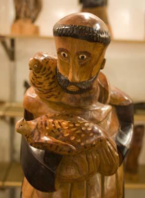 Detalhe do São Francisco em madeira de Bento de Sumé