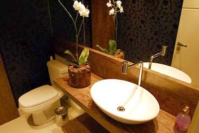 Bancada de lavabo com madeira de demolição