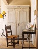 Armário antigo recuperado com pintura em pátina provençal