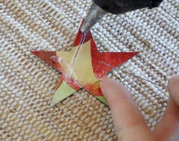 Cole as duas estrelas com o arame