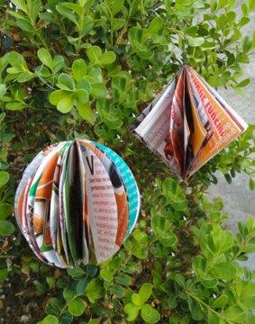 Bolas e pingentes de papel para enfeitar sua árvore de natal