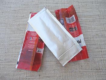 Corte as bases na embalagem aberta