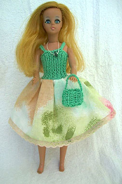 Roupinhas de crochê especiais para bonecas, da Malu