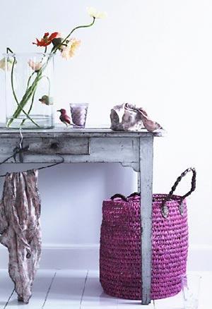 Cestos e bolsas de palha, artesanato na decoração