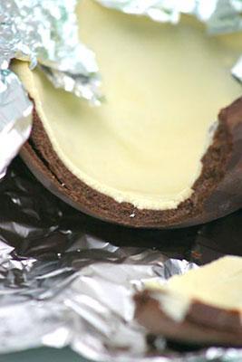 Ovo de chocolate com recheio de trufa