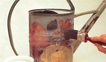 Aplique verniz a base de água em toda a peça de metal