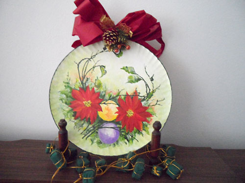 Prato de papelão decorado para o natal