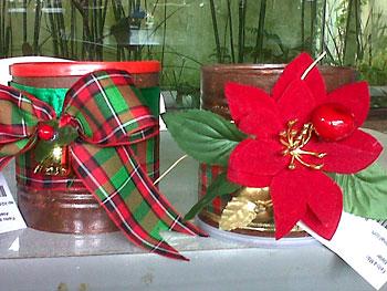 Jogo de latas decoradas em reciclagem natalina