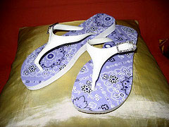 Chinelo customizado com decupagem