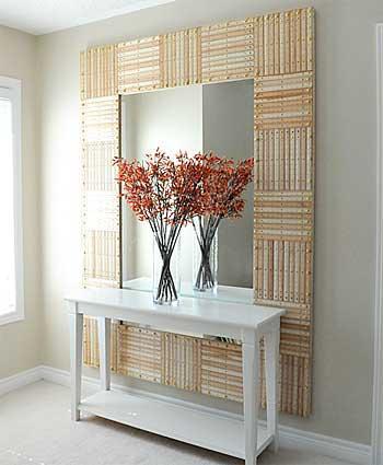 Painel para espelho com réguas de madeira