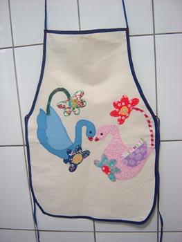 Avental com patch apliqué para a mamãe elegante