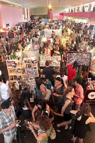 Bazar de moda, artesanato e design chamado O Mercado