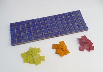 Pastilhas de vidro usadas para fazer mosaico
