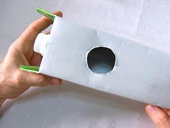 Casa de passarinho reciclada - Aplique primer sobre a caixa