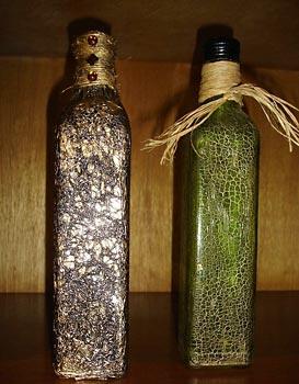 Pintura e craquelê nas garrafas recicladas