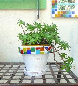 Vaso decorado com mosaico