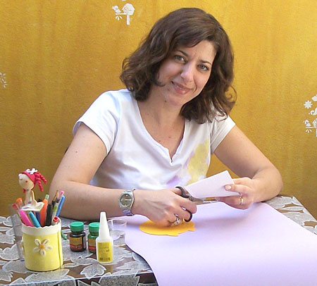 Mara Evans, colunista da Vila do Artesão e artesã de EVA