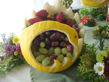 Frutas decoradas para arranjos especiais
