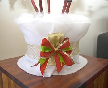 Decore o vaso com detalhes natalinos