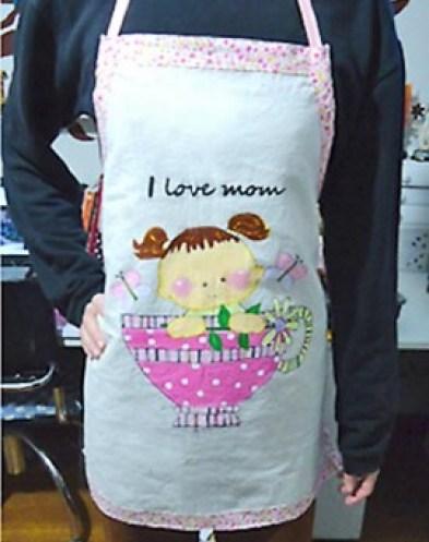 Avental para a mamãe com pintura em tecido
