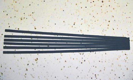 Corte tirinhas em EVA preto