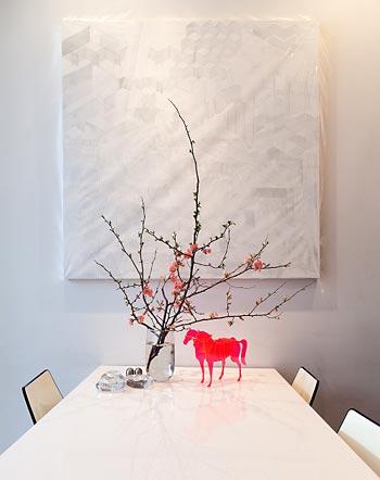 Objetos de arte com galões e galhos de flores