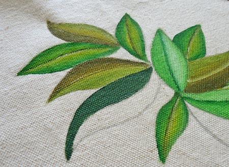 Pinte a metade da folha com verde escuro
