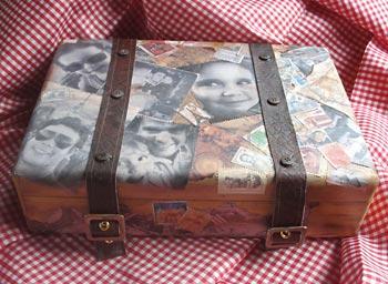 Caixa com jeito de maleta
