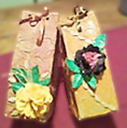 Flores de filtro de café na caixa de presente