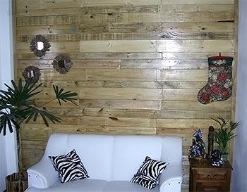 Painel de parede com pallets
