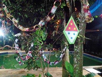 Cordões decorativos feitos com reciclagem