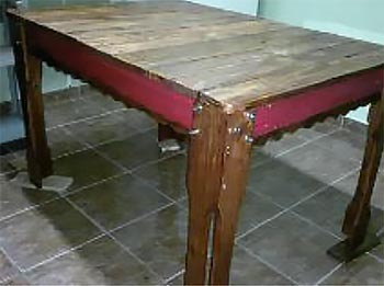 Mesa de refeições feita com pallets
