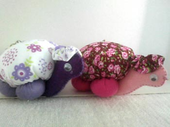 Chaveiros tartarugas com feltro e tecido