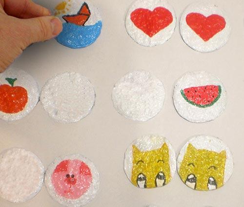 Jogo de memória feito em papel maché para suas crianças