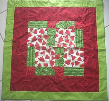 Toalhinha de mesa em patchwork