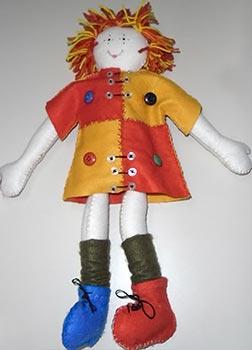 Boneca Emília feita de feltro