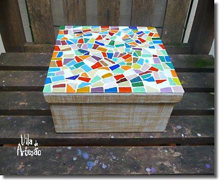 Caixa de MDF com tampa decorada com mosaico