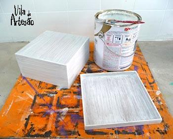 Pinte a caixa com tinta látex