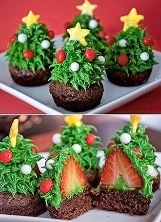 Cupcakes de chocolate e morango para o Natal